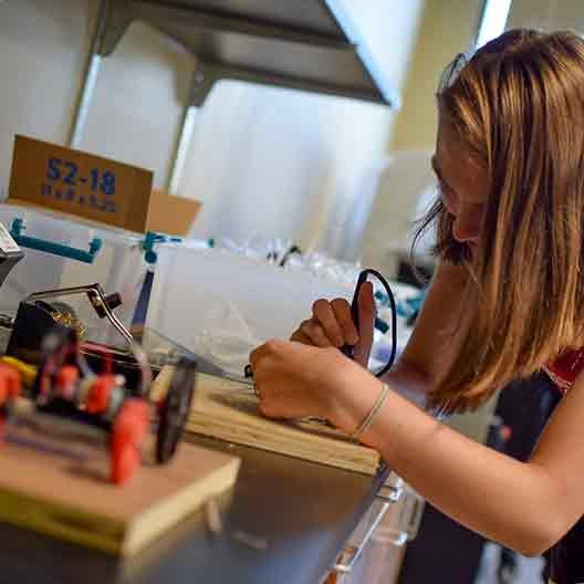 Student in BCYC Immersion Engineering class